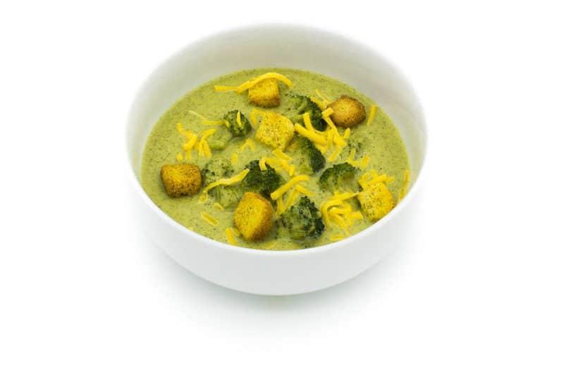 Supă cremă de broccoli și crutoane