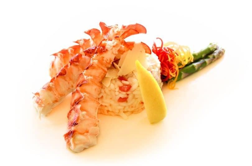 Coadă de homar cu risotto și sparanghel